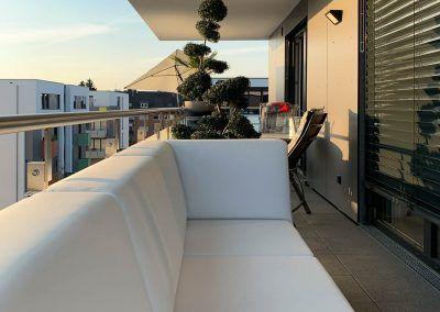 Loungebank op balkon